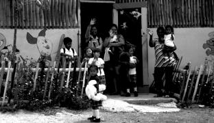 Pobreza Multidimensional Infantil en Ecuador 2006 y 2014